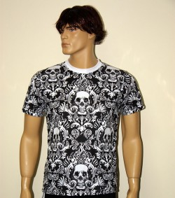 tshirt gothic skull.JPG